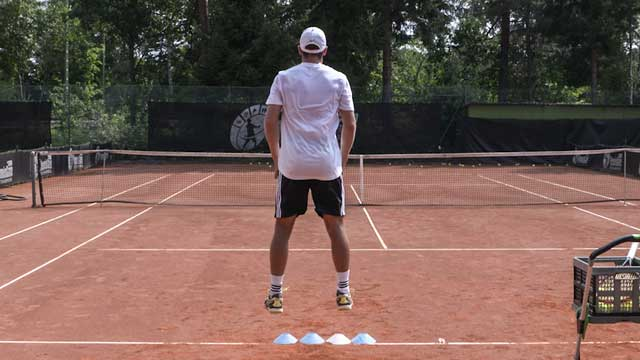 Using Squat Jumps without Arms and Cones to Improve the Serve