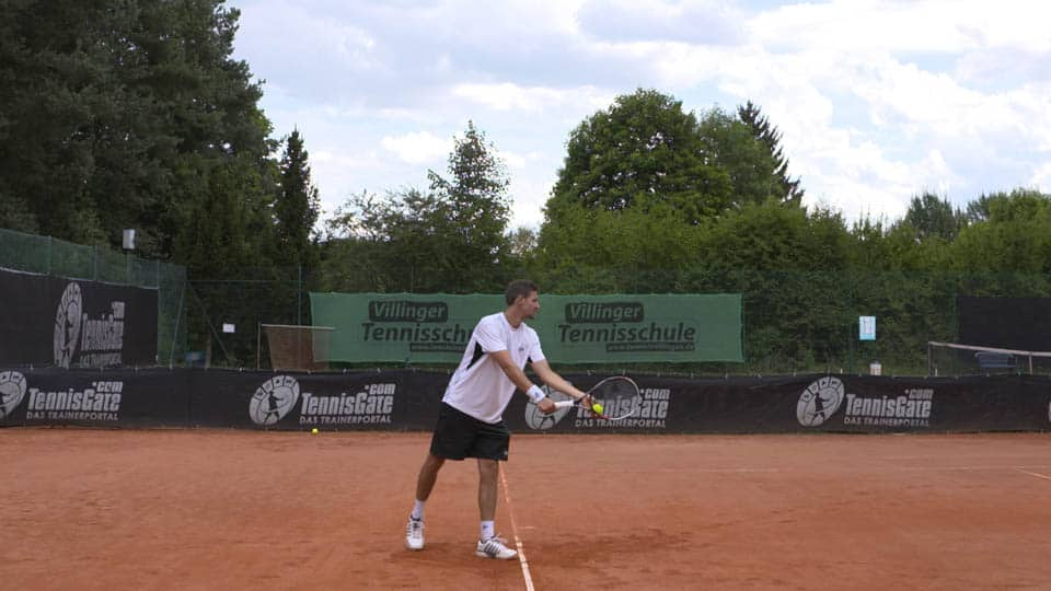Stance and preparation for the serve
