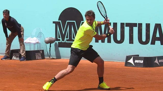 Stan Wawrinka hits a one handed backhand